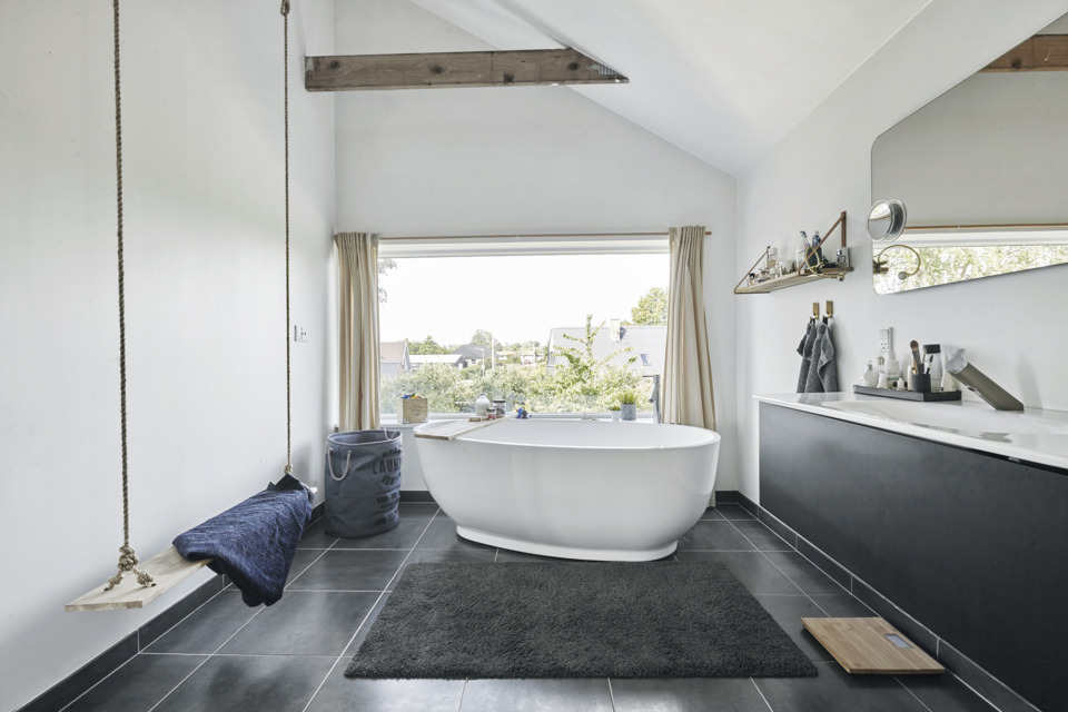 Erik-Nord-Arkitekt-Damkaervej-Villa-Aarhus-Harlev-ombygning-tilbygning-badevaerelse-2