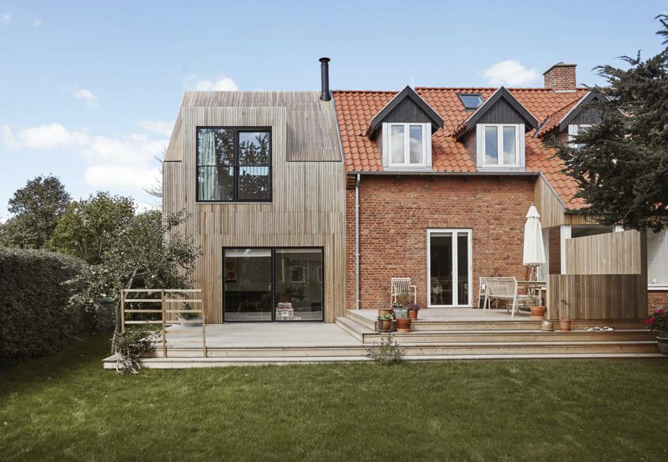 Erik-Nord-Arkitekt-Thyregodsvej-villa-raekkehus-Aarhus-Aabyhoej-ombygning-tilbygning-cedertrae-facade-011
