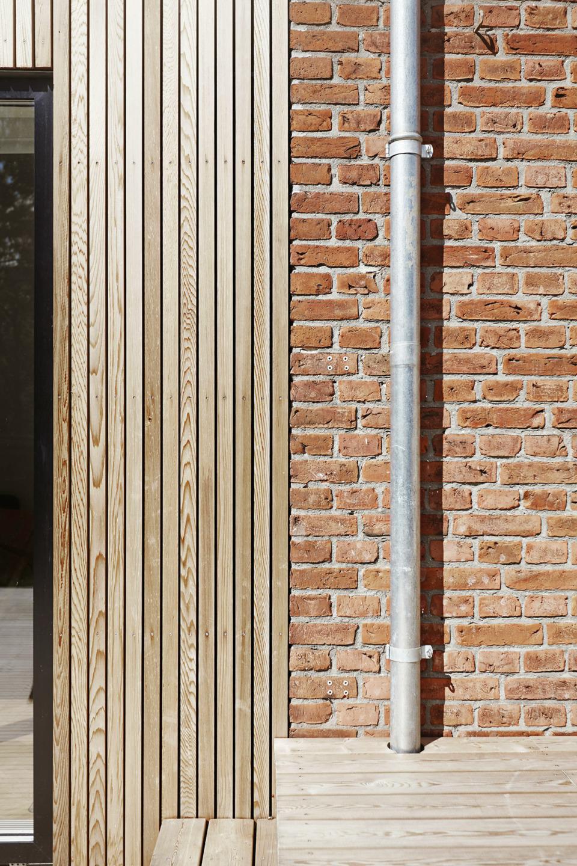Erik-Nord-Arkitekt-Thyregodsvej-villa-raekkehus-Aarhus-Aabyhoej-ombygning-tilbygning-cedertrae-facade-041