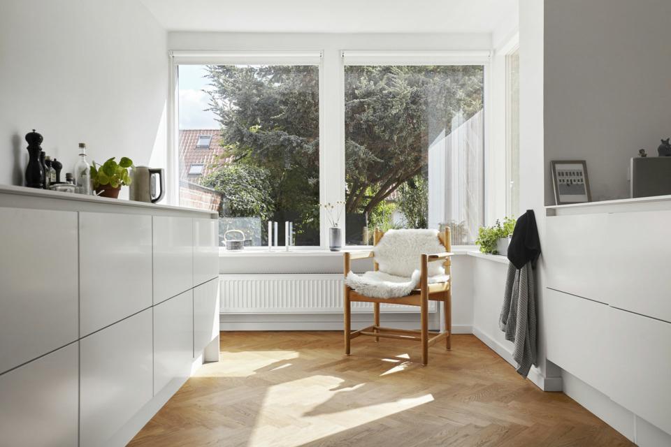 Erik-Nord-Arkitekt-Thyregodsvej-villa-raekkehus-Aarhus-Aabyhoej-ombygning-tilbygning-koekken-10