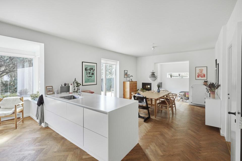 Erik-Nord-Arkitekt-Thyregodsvej-villa-raekkehus-Aarhus-Aabyhoej-ombygning-tilbygning-koekken-spisestue-16